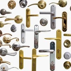 Дверные ручки для межкомнатных дверей: виды, типы